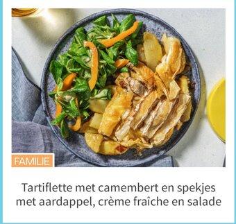 Tartiflette met camembert en spekjes met aardappel, crème fraîche en salade